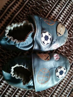 Robeez shoes slippers / soulier