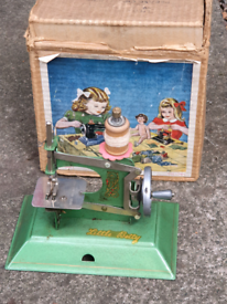 Vintage little Betty toy sewing machine