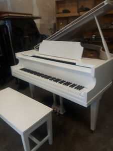 Piano Baby Grand , Vose & Son ..   Excellent Condition