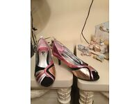 Very unusual brand new shoes from Golddiigga size 6