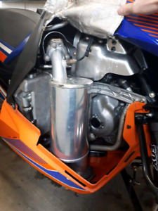 Exhaust straightline comme neuf pour Yamaha sr viper