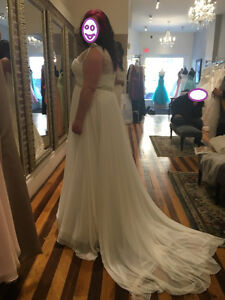 Gorgeous Enzoani Ivory Wedding Dress - NEW -