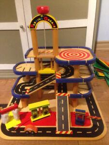 Garage en bois jouet