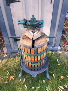 Italian made Wine/Grape/Apple Cider Press