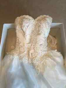 Sophies wedding dress AND cream suit from LaCreme Kitchener / Waterloo Kitchener Area image 4