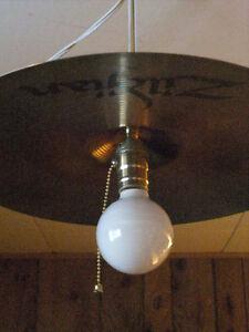 Lampe cymbale
