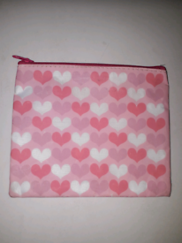 PINK HEARTS COSMETIC BAG