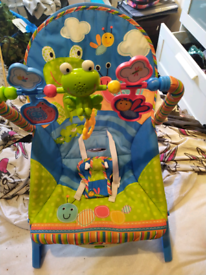 Fisher-Price rainforest friends Baby Rocker Chair, good condition