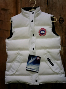 Authentic Canada Goose medium white and black vest