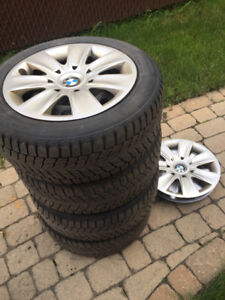 "Bmw 16"" rims, 6 hubcaps, winter runflats"