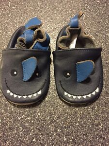 Baby slippers 0-6 minth