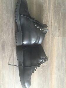 Womens waterproof boots! Worn once!!