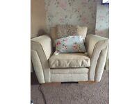 Chunky arm chair