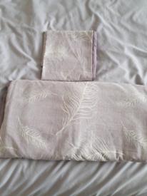 Feathered Jacquard kingsize bed set