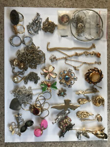 Antique and Vintage Jewelry 1900 - 1975 For sale