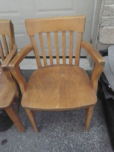 4 SOLID ANTIQUE WOODEN CHAIRS $ 125 Kingston Kingston Area image 5