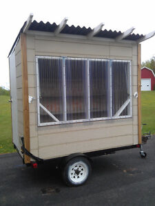 Mobile merchandise / concession stand
