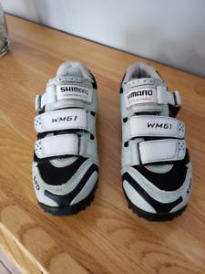 Souliers de vélo shimano et pédales à clips