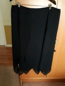 Size 18W lined handkerchief hem skirt