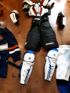 Medium mens /teen hockey equipment 65 obo