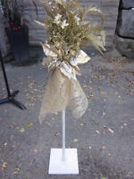 12 Wrought Iron Wedding Aisle Markers Champagne