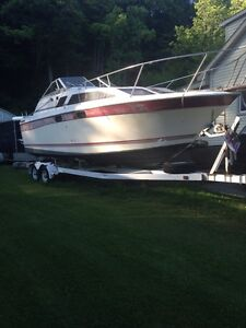 """28"""" bay liner with trailer"""