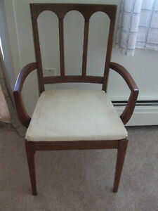 Dining table arm chair