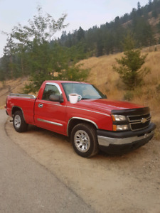 2006 Chevrolet Silverado 1500 LS shortbox 2WD 5spd.