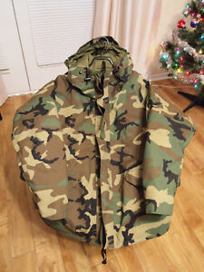 Authentic USA Army camouflage cold weather parka.Size lge