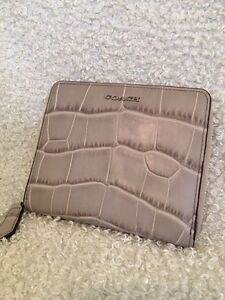 Authentic Coach Zippered wallet