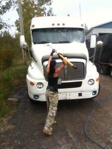 Envie d'un camion propre? Lavagedecamion.com choix #1 au Québec