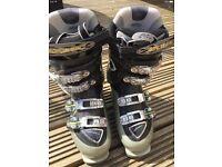 Atomic Ski Boots size 6