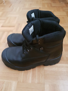 Pioneer Safety Shoes Size 9.5 men's, and safety glasses