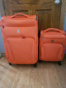 It - Winchester Luggage Set