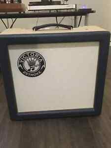 Victoria Two Stroke Guitar Amplifier - mint condition