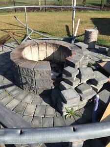Fire pit and blocks diameter 12 feet