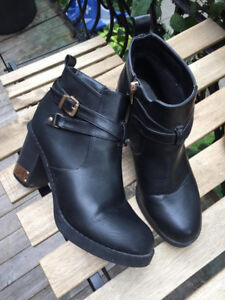 Chaussures - taille 9 ou 39/40