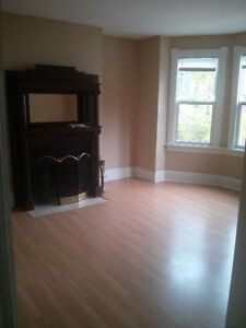 Subletting 1 bedroom in 3 bedroom apartment