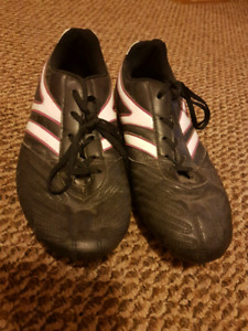 Girls size 8 cleats