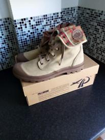 Palladium Boots Mens size 10 new