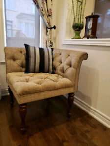 Corner Accent Chair/Bench