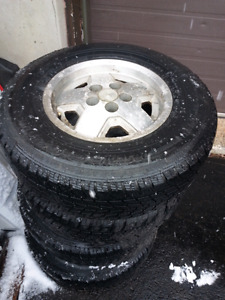 Rims 15in jeep and toyo 225 75 15 winter tires