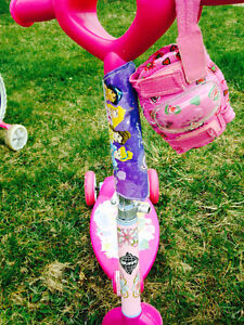 DISNEY PRINCESS 3 WHEEL SCOOTER (Bike shown in picture is sold)