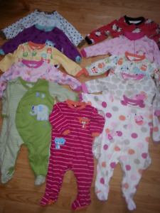 Lot 9 months girl sleepers(23 pieces);