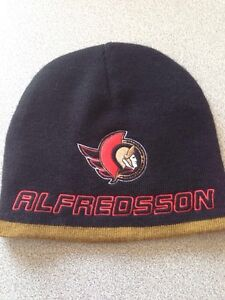 NHL superstar Daniel Alfredsson toque