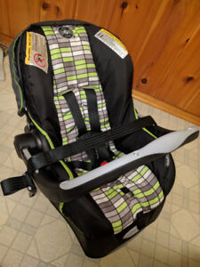 Evenflo Embrace 35 Infant Car Seat with base