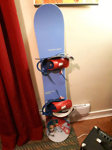 Burton Floater 155 with XL Burton bindings.