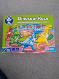 Orchard toys dinosaur race