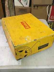 Vintage Kodak Brownie Movie Camera Set in Box Regina Regina Area image 8