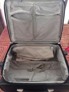 Valise de voyage / Carry on luggage